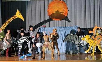 山宮区の劇「ライオンキング」